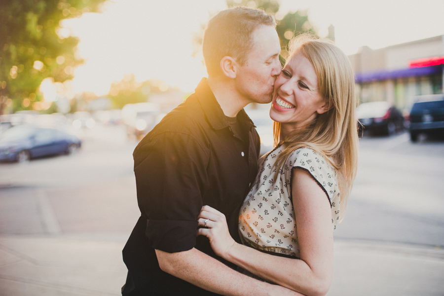 15-engagement-wedding-okc-photographer-plaza-district