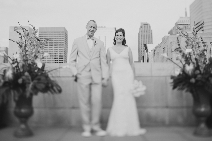 9-okc-wedding-photographer-okcmoa-art-museum-rooftop-melanie-pearce-michael-smith