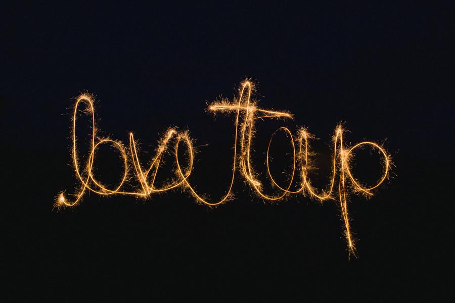 33-smallpools-lovetap-promo-sparklers-album-art-long-exposure-2015-anna-lee-media-tour-photographer