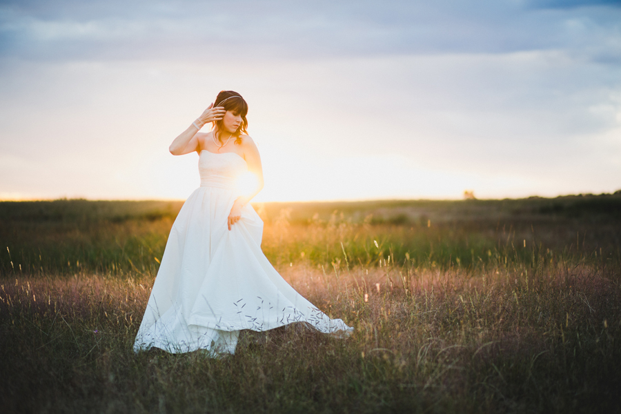 2-okc-edmond-wedding-bridal-photographer-field-sunset