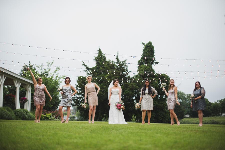 11-wings-edmond-wedding-rainy-bridesmaids