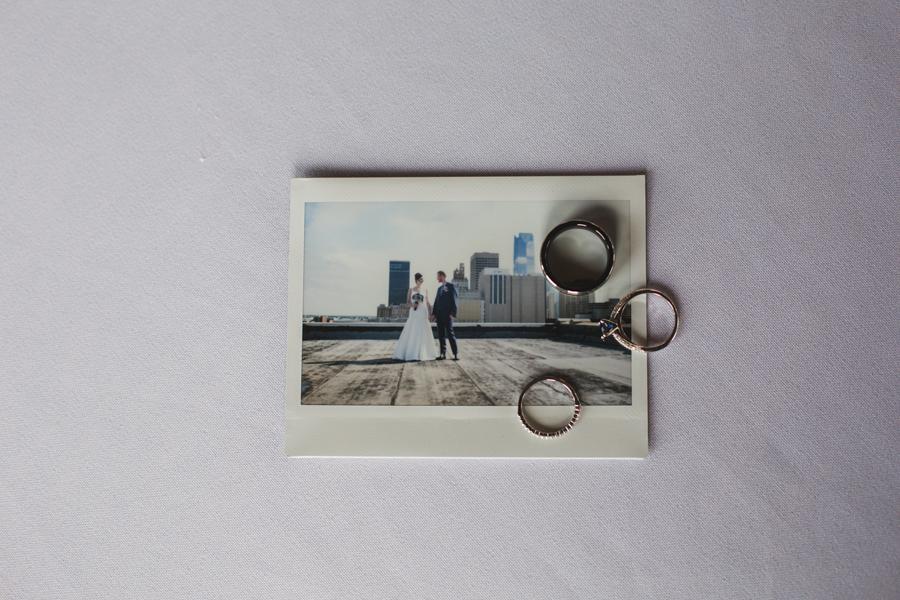 14-wedding-polaroid-rings