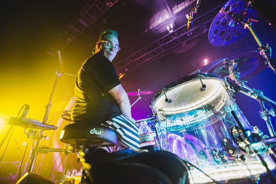 15-walk-the-moon-wtm-tih-tour-boston-hob-sean-drums