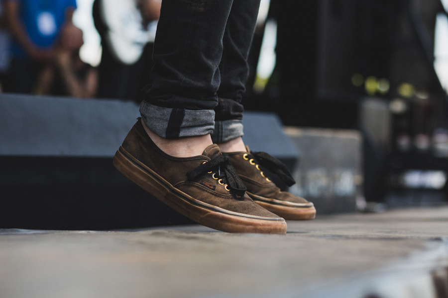 16-silverstein-warped-tour-2015-okc-vans-worn-shoes-band