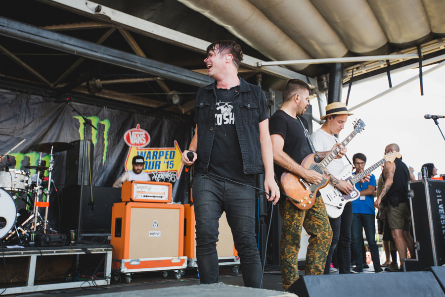 27-silverstein-warped-tour-2015-okc-shane-told-laugh
