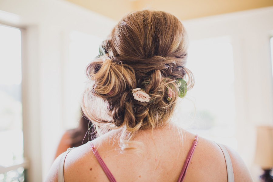 6-whimsey-bridesmaid-hair-fresh-flowers-messy-bun-okc-los-angeles-wedding-photographer