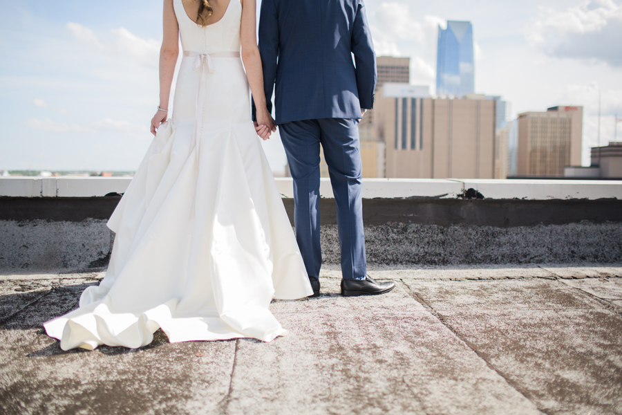 8-okc-magnolia-building-rooftop-wedding-photographer-anna-lee-media