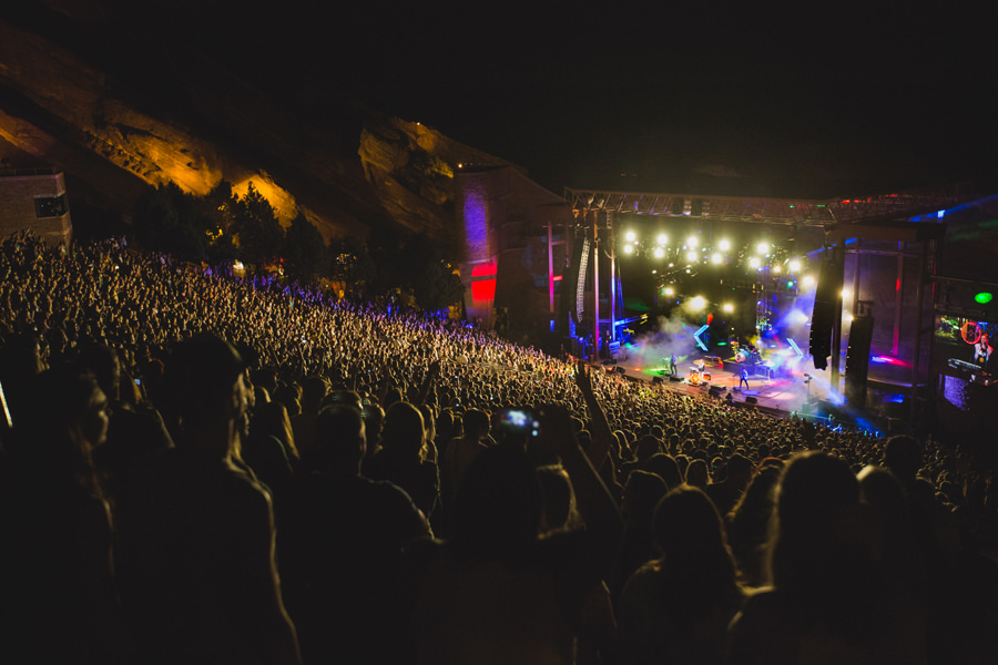 99-walk-the-moon-wtm-tih-tour-red-rocks-CO-anna-lee-media-crowd