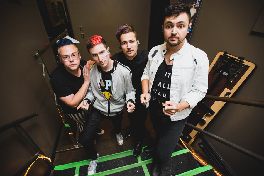 1-walk-the-moon-wtm-tih-tour-backstage-