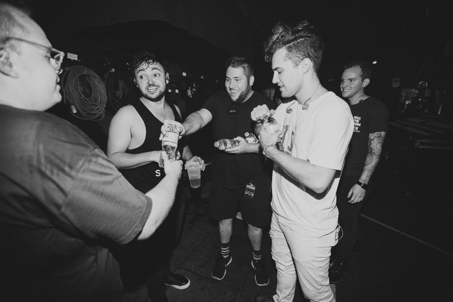 50-walk-the-moon-wtm-tih-tour-backstage