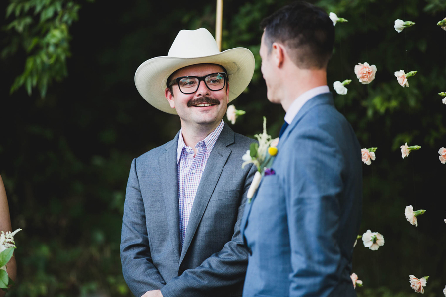 23-los-angeles-wedding-photographer-backyard-wedding-mustang-okc-socal-modern-vintage