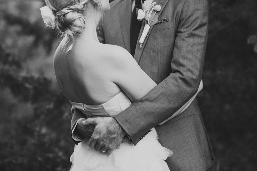 32-los-angeles-wedding-photographer-backyard-wedding-mustang-okc-socal-modern-vintage