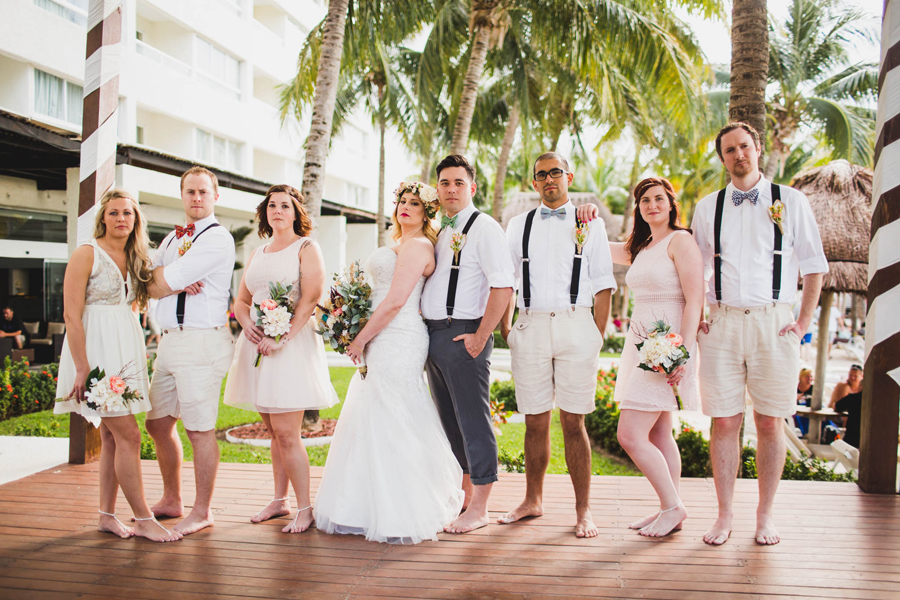 22-dream-sands-resort-destination-wedding-photographer-cancun-bridal-party-cool