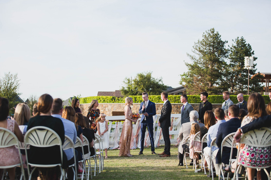 los-angeles-wedding-photographer-modern-backyard-norman-oklahoma-beth-vaughn-tyler-burns-22