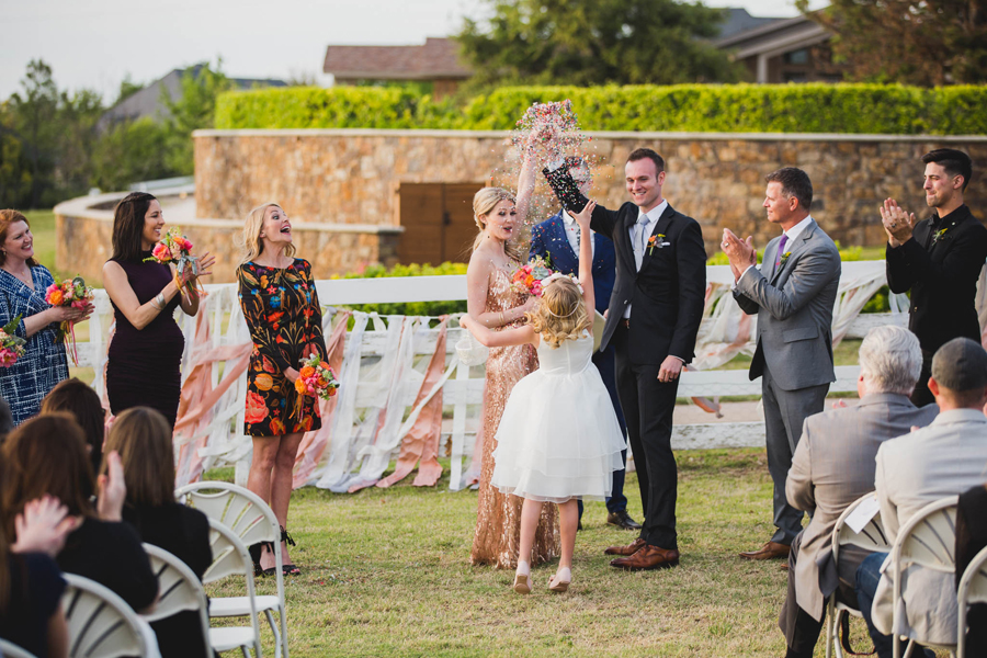 los-angeles-wedding-photographer-modern-backyard-norman-oklahoma-beth-vaughn-tyler-burns-27