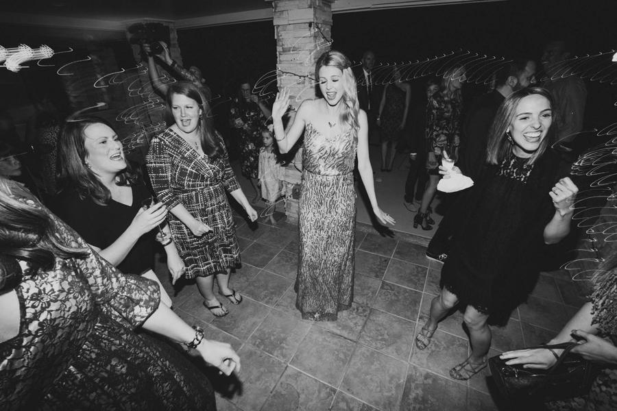 los-angeles-wedding-photographer-modern-backyard-norman-oklahoma-beth-vaughn-tyler-burns-40