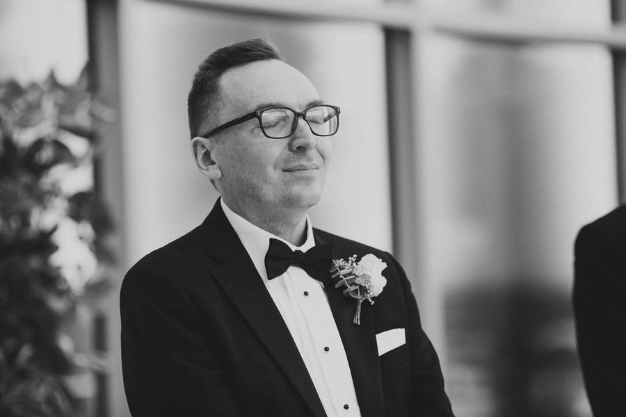 tulsa-oklahoma-wedding-photographer-gilcrease-museum-venue-steve-cluck-joy-jones-12-lobby-ceremony-rain-
