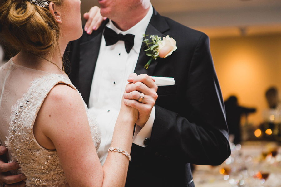 tulsa-oklahoma-wedding-photographer-gilcrease-museum-venue-steve-cluck-joy-jones-37-reception-vista-room-