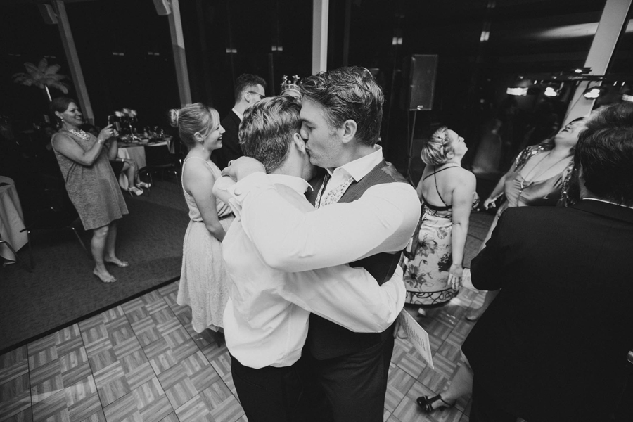 tulsa-oklahoma-wedding-photographer-gilcrease-museum-venue-steve-cluck-joy-jones-41-reception-vista-room-