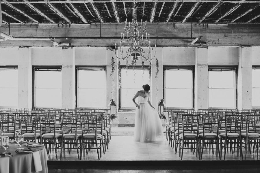 oklahoma-city-okc-wedding-photographer-lee-leach-downtown-22-magnolia-building