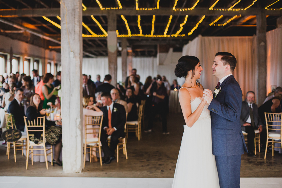 oklahoma-city-okc-wedding-photographer-lee-leach-downtown-40-magnolia-building