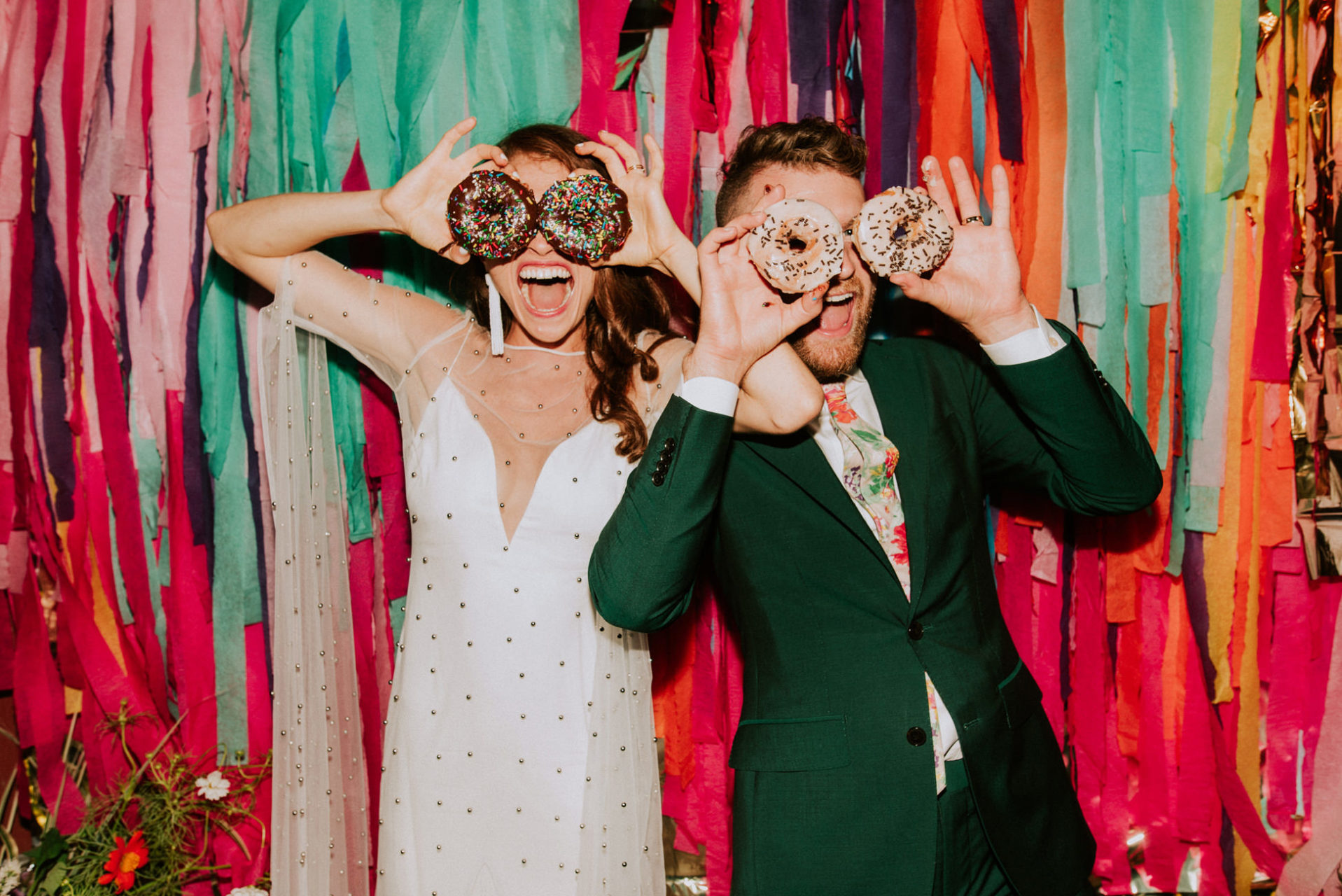 best-top-los-angeles-destination-wedding-photographer-hipster-modern-quirky-editorial-romantic-epic-14-fun-bright-colorful-nyc