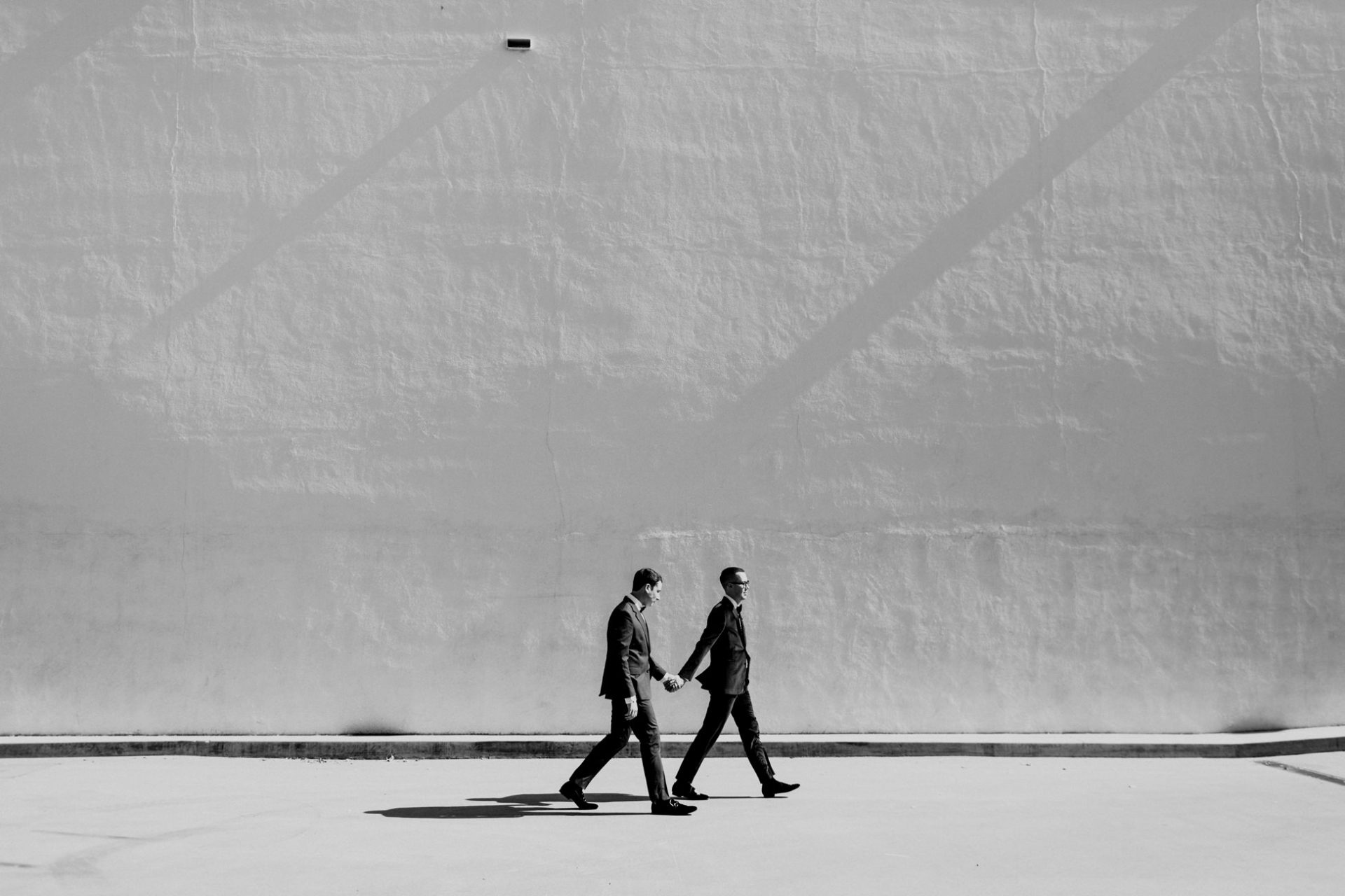 best-top-los-angeles-destination-wedding-photographer-hipster-modern-quirky-editorial-romantic-epic-19-history-museum-minimal-same-sex-grooms