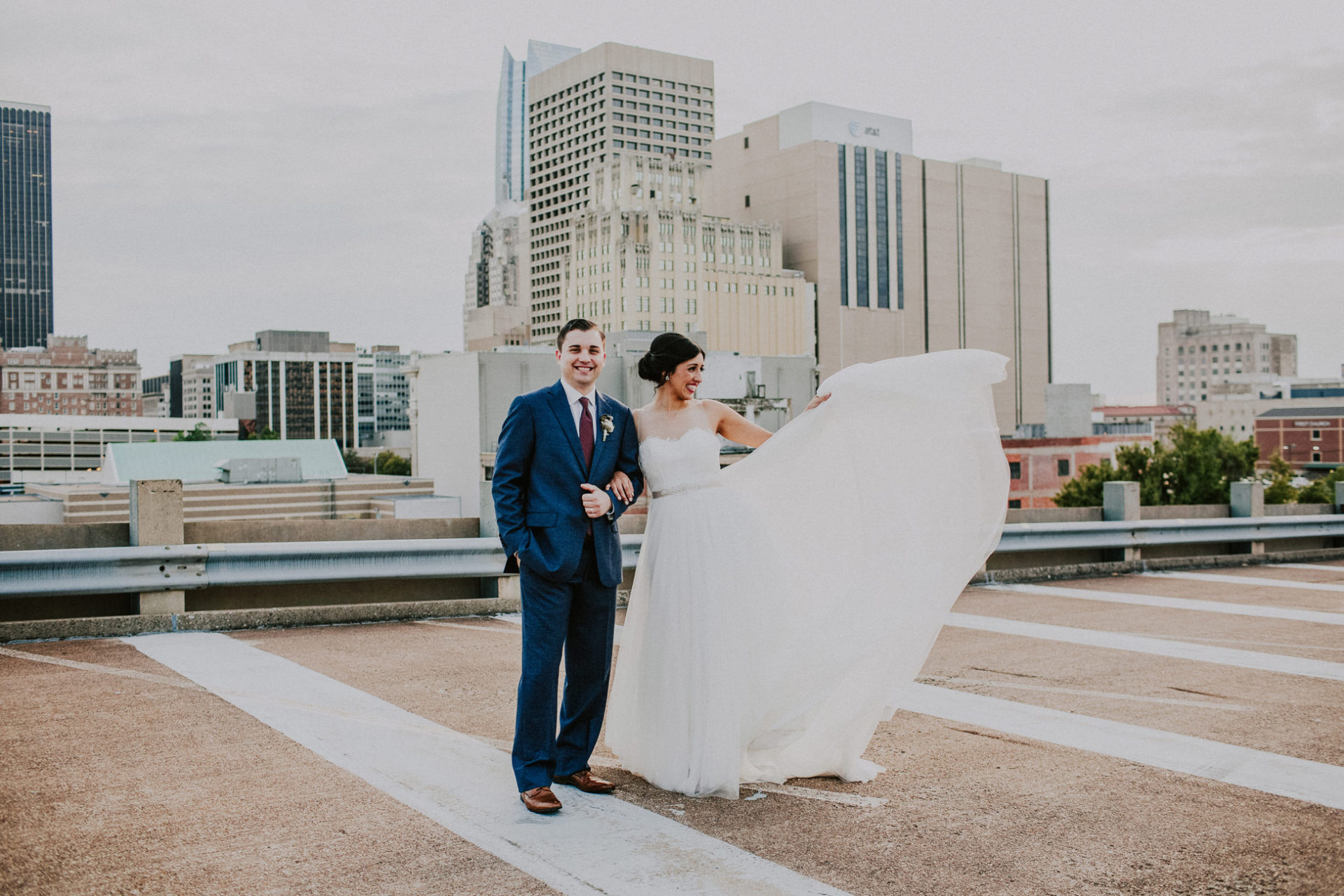 best-top-los-angeles-destination-wedding-photographer-hipster-modern-quirky-editorial-romantic-epic-26-okc-downtown-rooftop