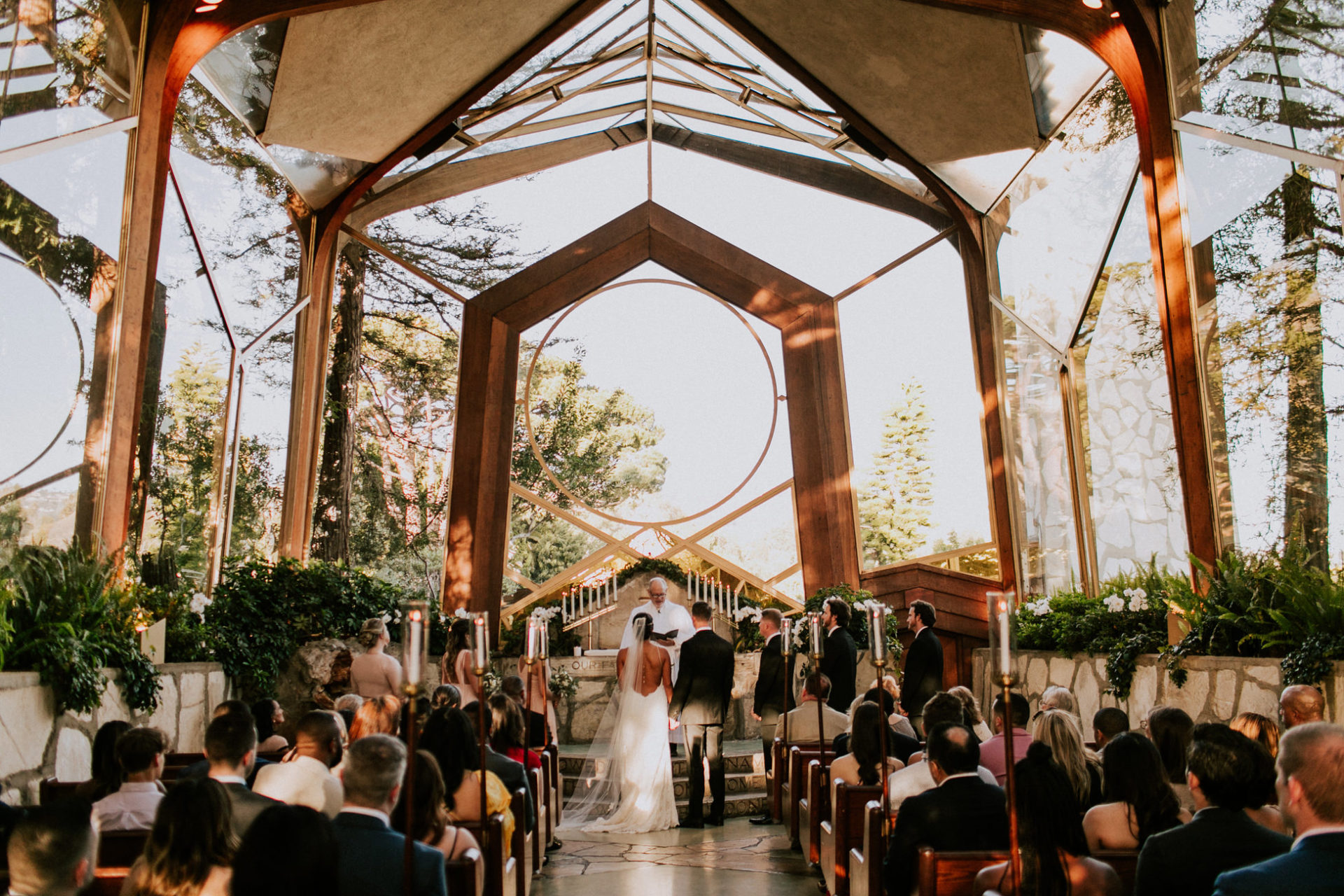 best-top-los-angeles-destination-wedding-photographer-hipster-modern-quirky-editorial-romantic-epic-35-wayfarers-chapel-palos-verdes-redondo-ceremony