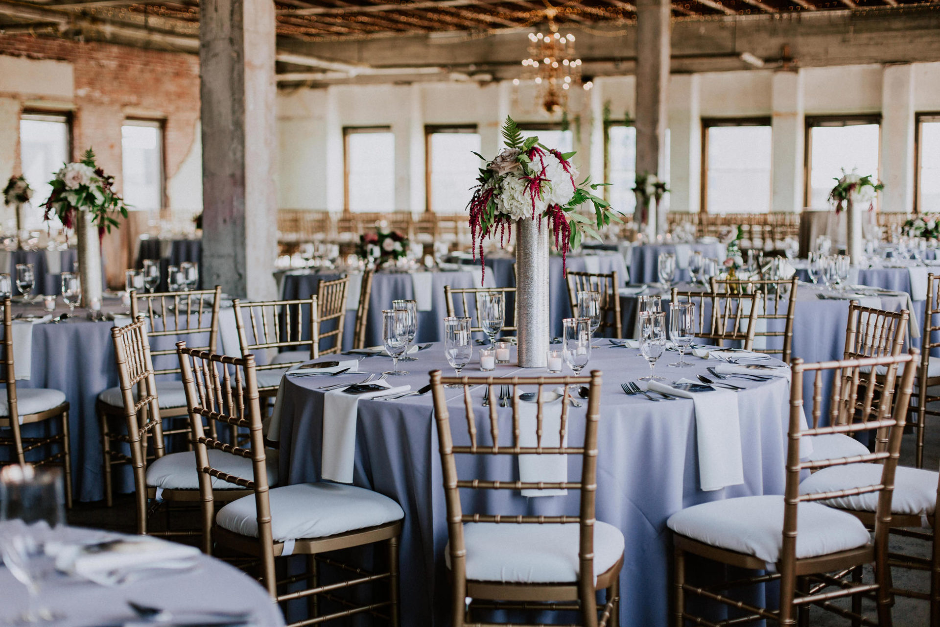 best-top-los-angeles-destination-wedding-photographer-hipster-modern-quirky-editorial-romantic-epic-52-decor-reception-centerpieces-okc-gaylord-pickens-museum-hall-of-fame