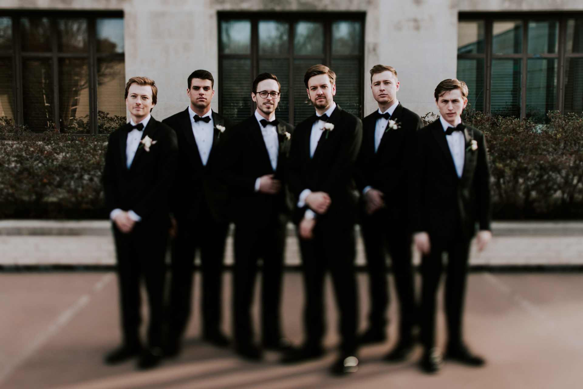 best-top-los-angeles-destination-wedding-photographer-hipster-modern-quirky-editorial-romantic-epic-58-moody-okc-gaylord-pickens-museum-groomsmen-fun-hall-of-fame