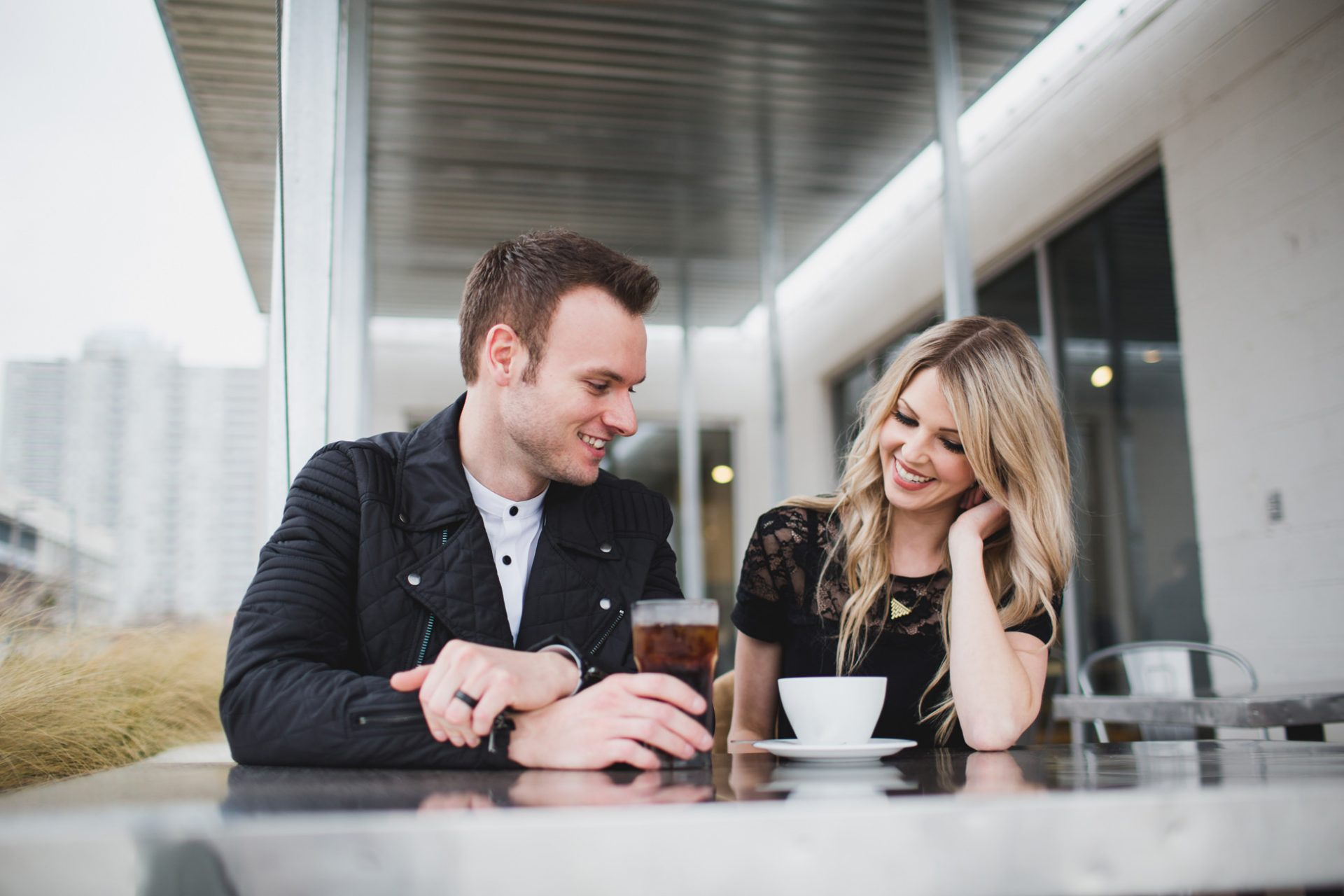 best-top-los-angeles-oklahoma-destination-engagement-photographer-hipster-modern-quirky-editorial-romantic-epic-13-coffee-date