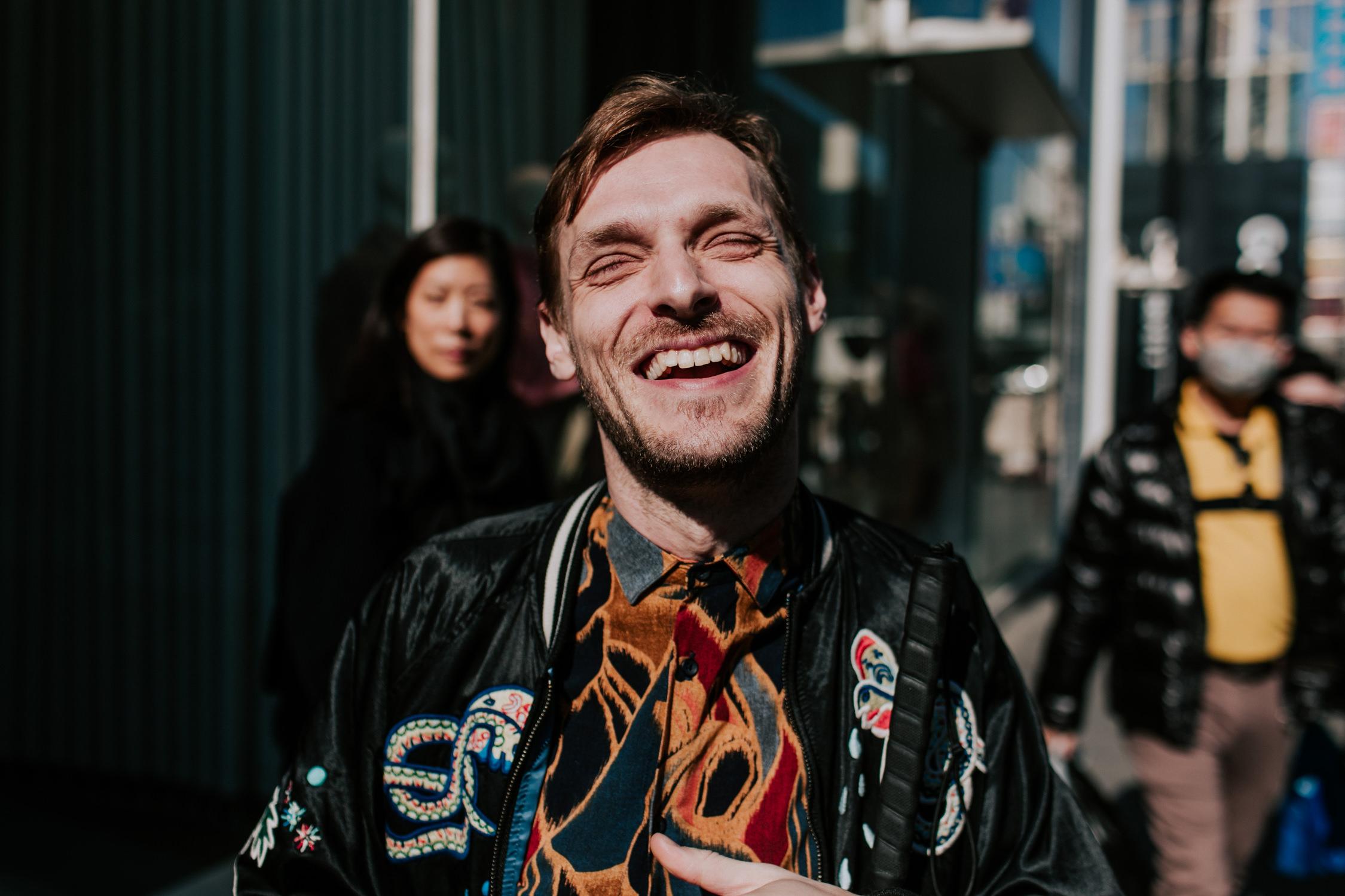 casey-harris-smiling-portrait-tour-AnnaLeeMedia
