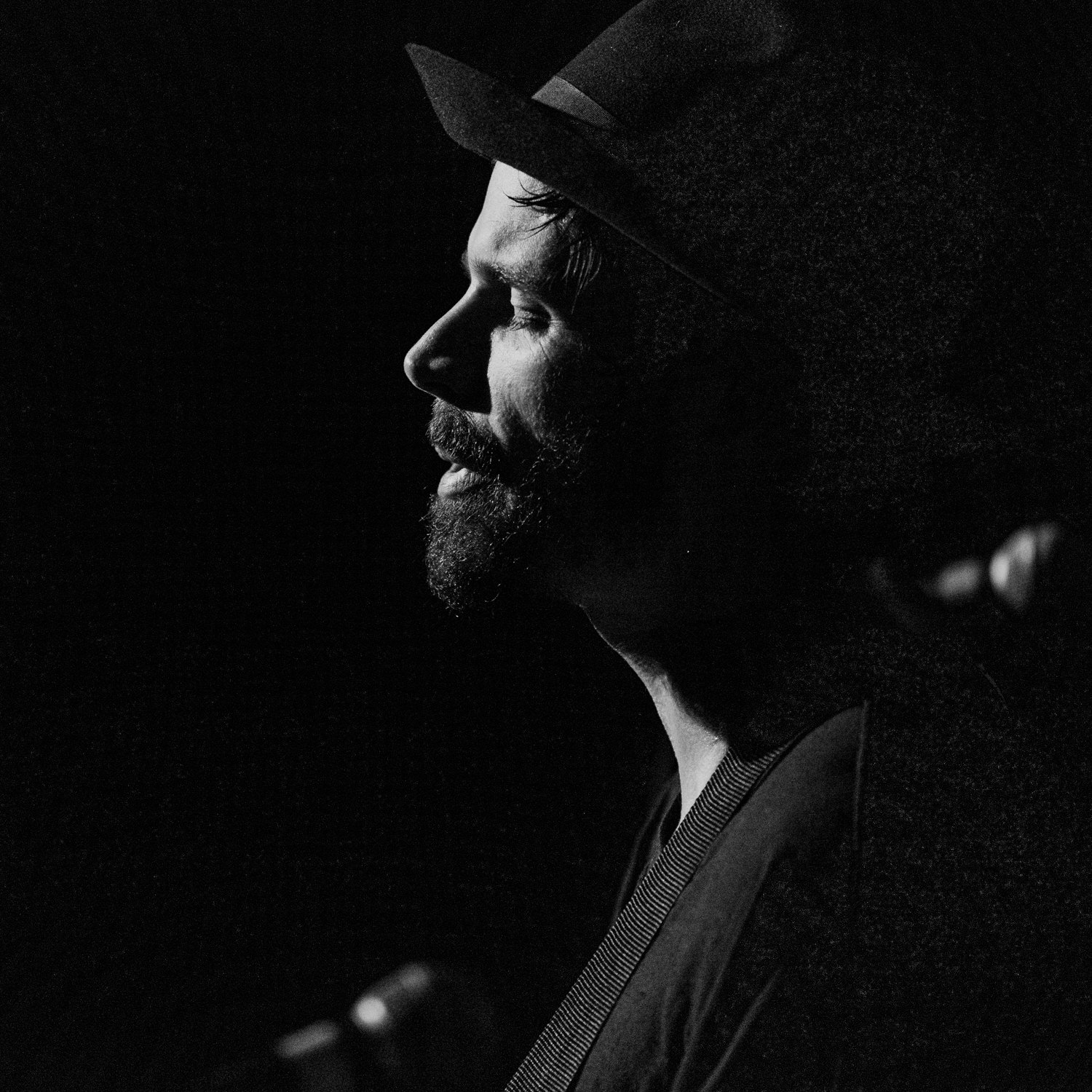 christian-zucconi-on-stage-portrait-black-white-AnnaLeeMedia