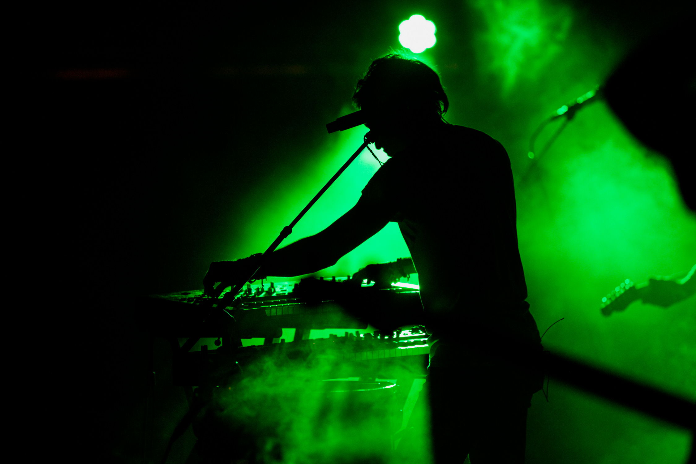 concert-keys-green-haze-silhouette-AnnaLeeMedia
