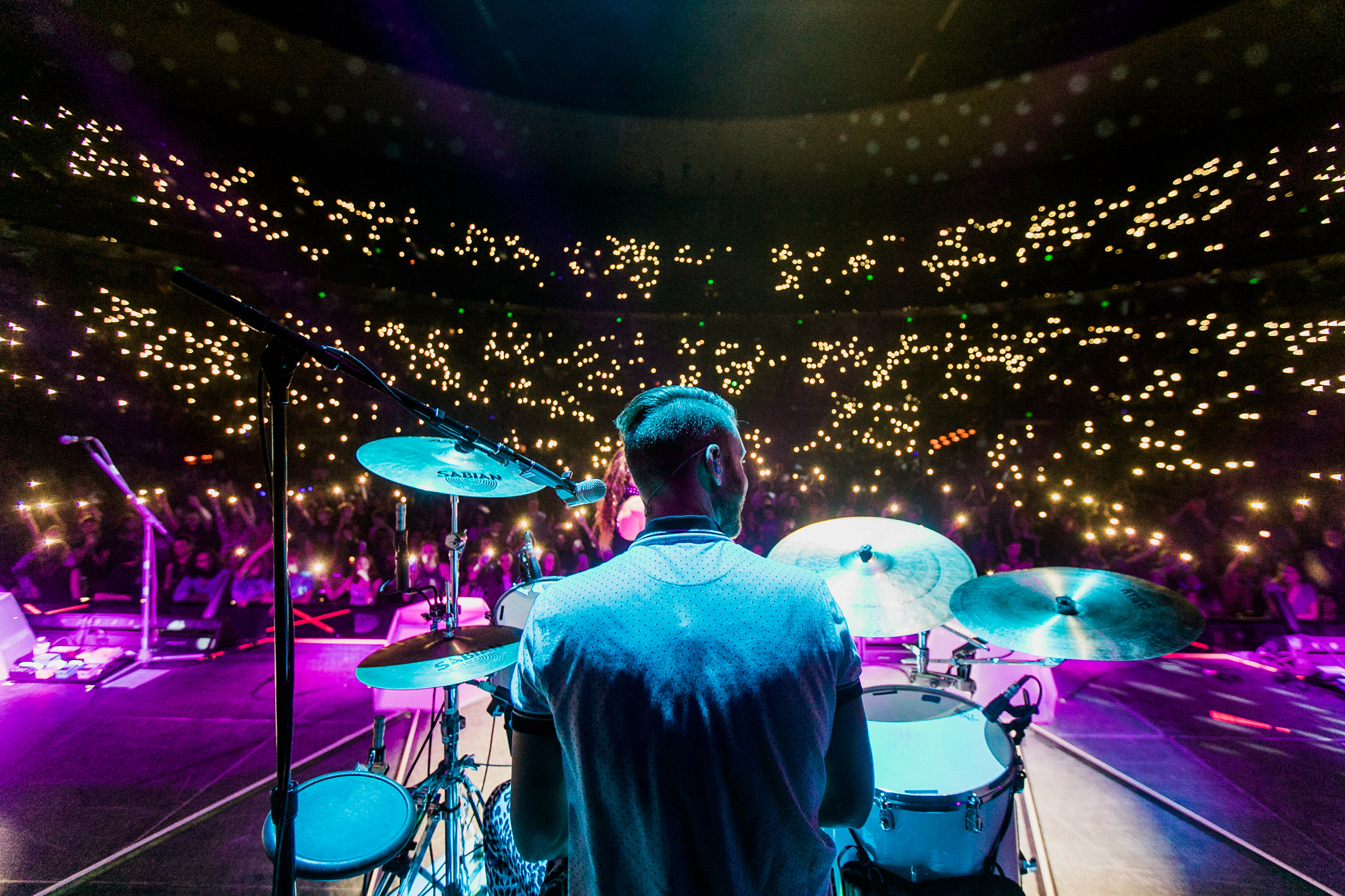etienne-bolwer-cell-phone-lights-arena-tour-misterwives-upstage-AnnaLeeMedia