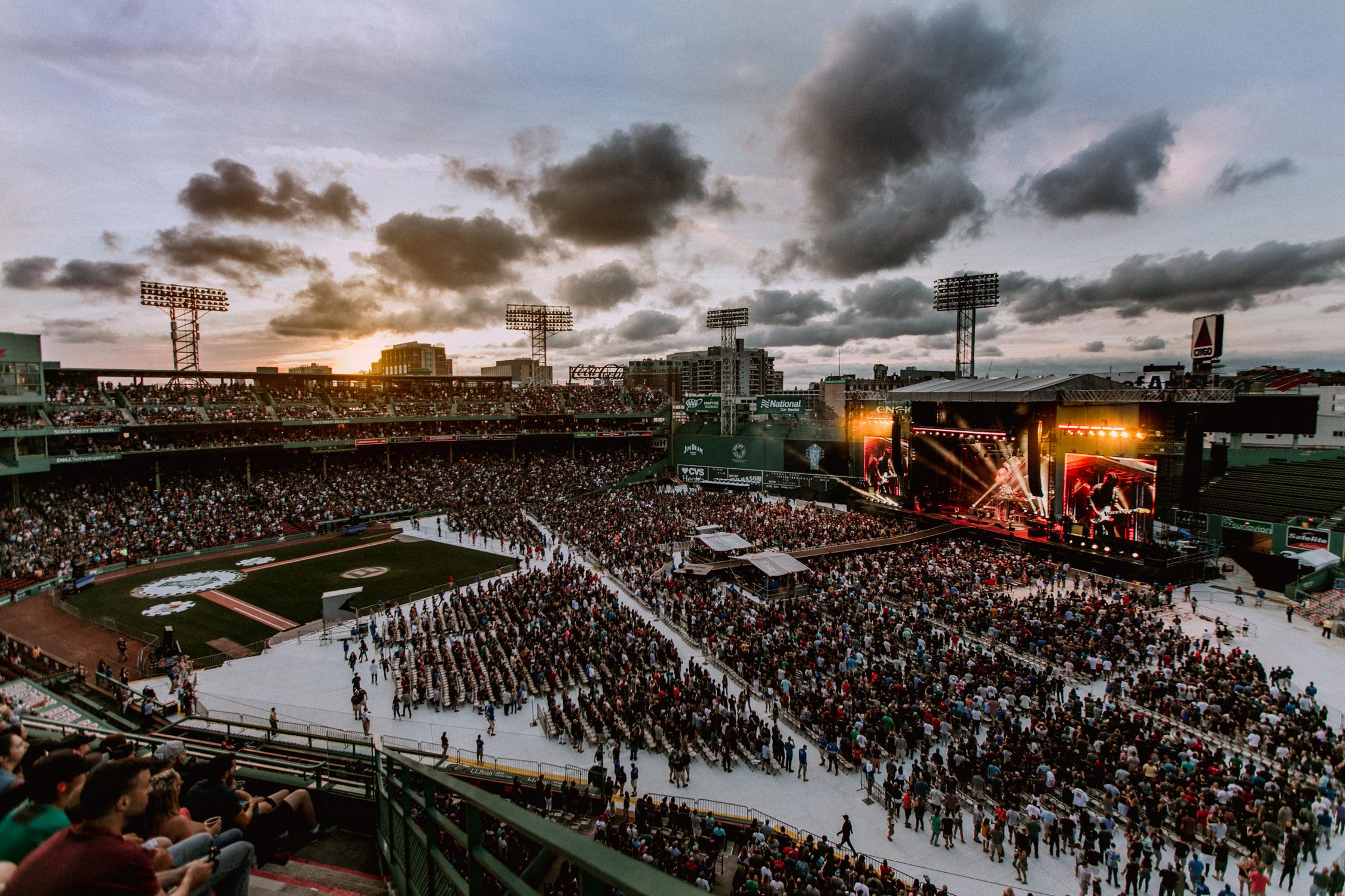 foo-fighters-fenway-park-live-stadium-show-AnnaLeeMedia
