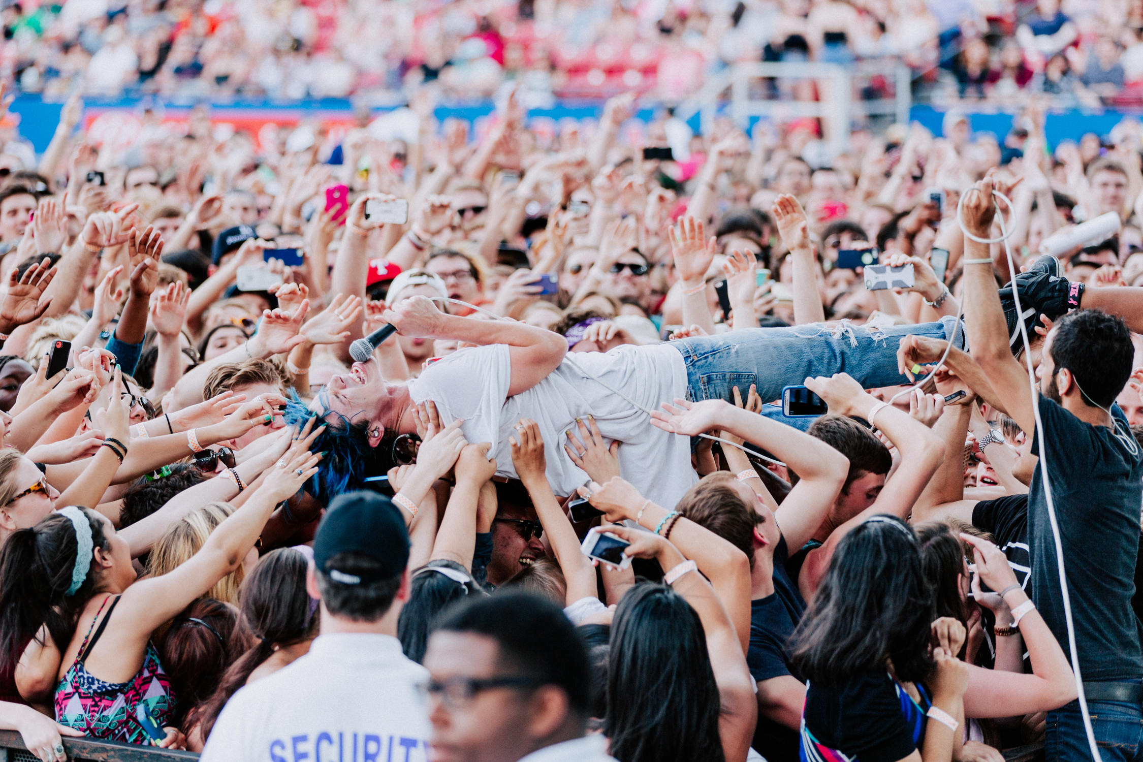grouplove-christian-crowd-surf-AnnaLeeMedia