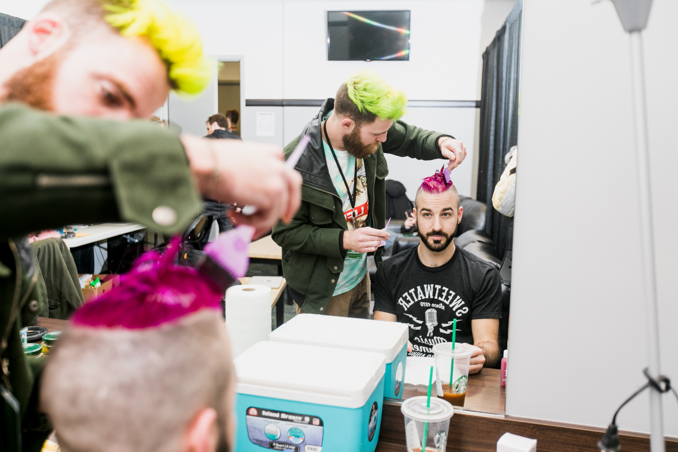 misterwives-hair-color-will-murph-backstage-tour-AnnaLeeMedia