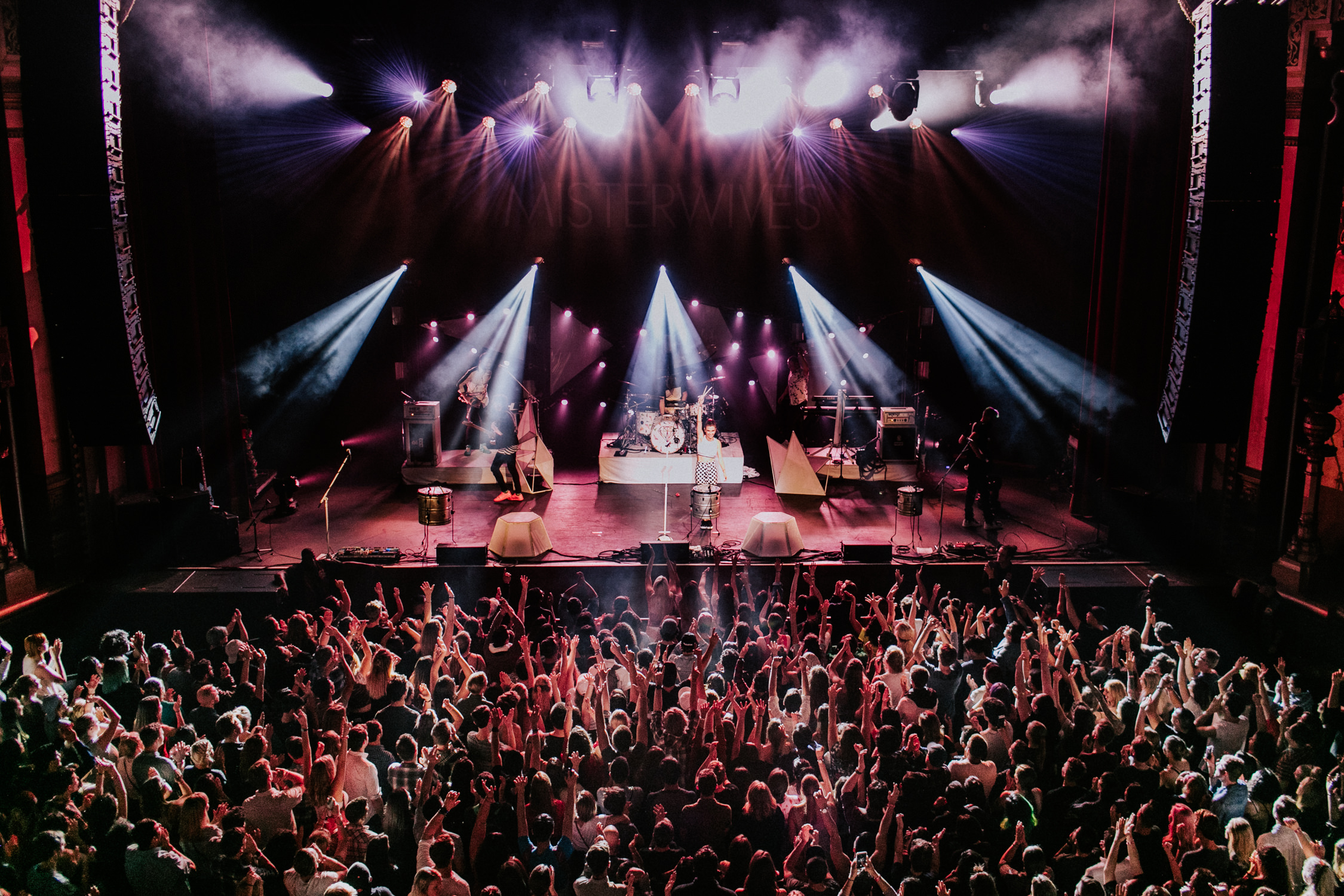 misterwives-live-show-crowd-tour-AnnaLeeMedia