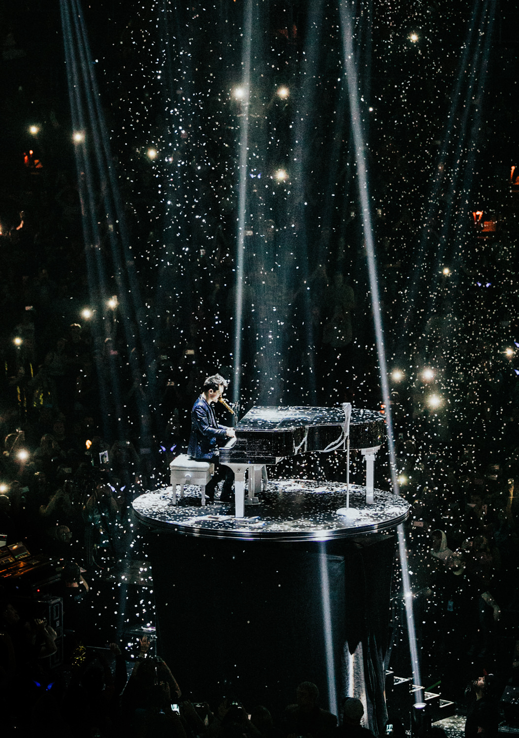 patd-panic-at-the-disco-raised-piano-live-tour-AnnaLeeMedia