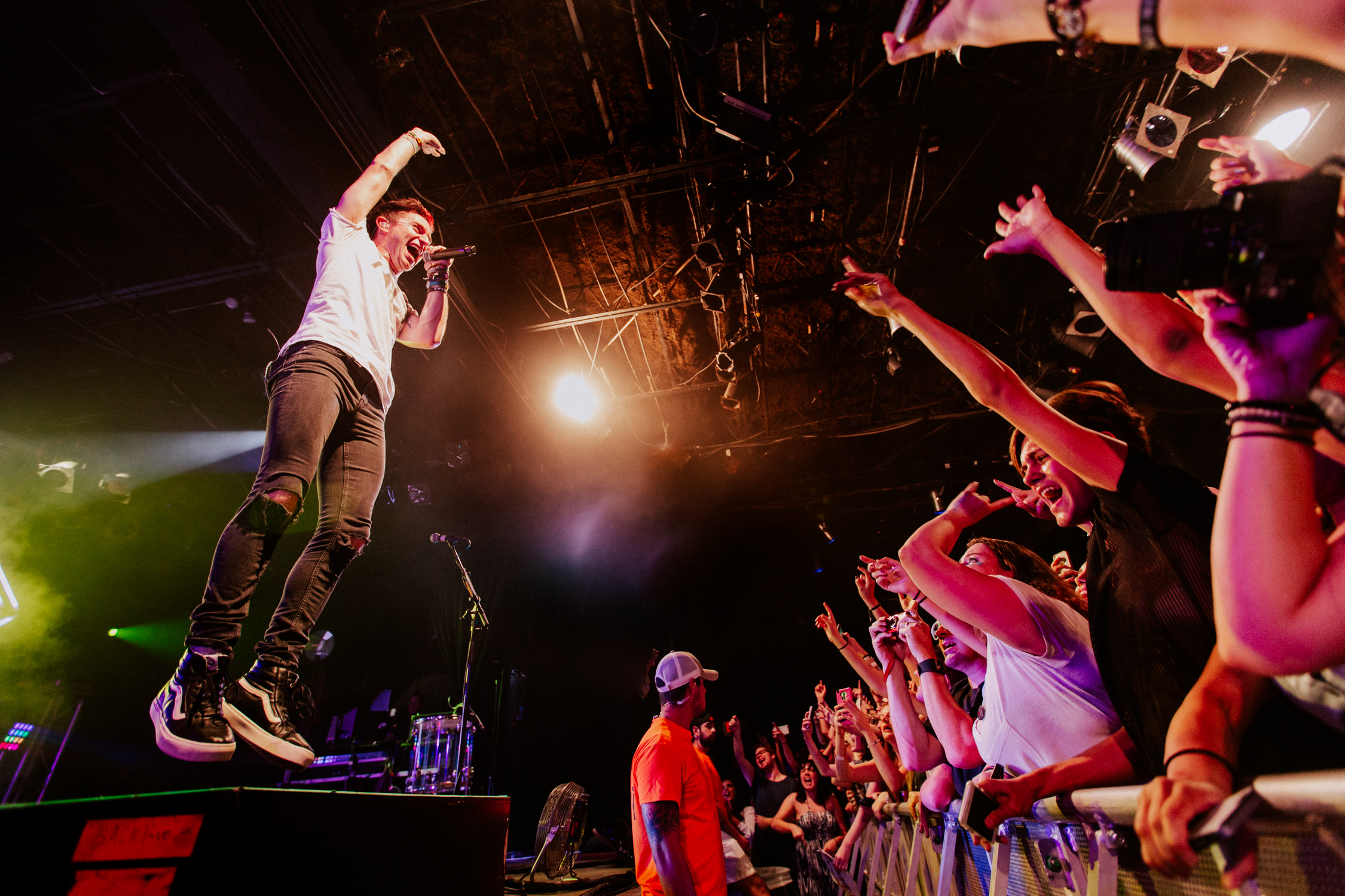 photo-pit-front-row-fans-nick-jump-walk-the-moon-AnnaLeeMedia