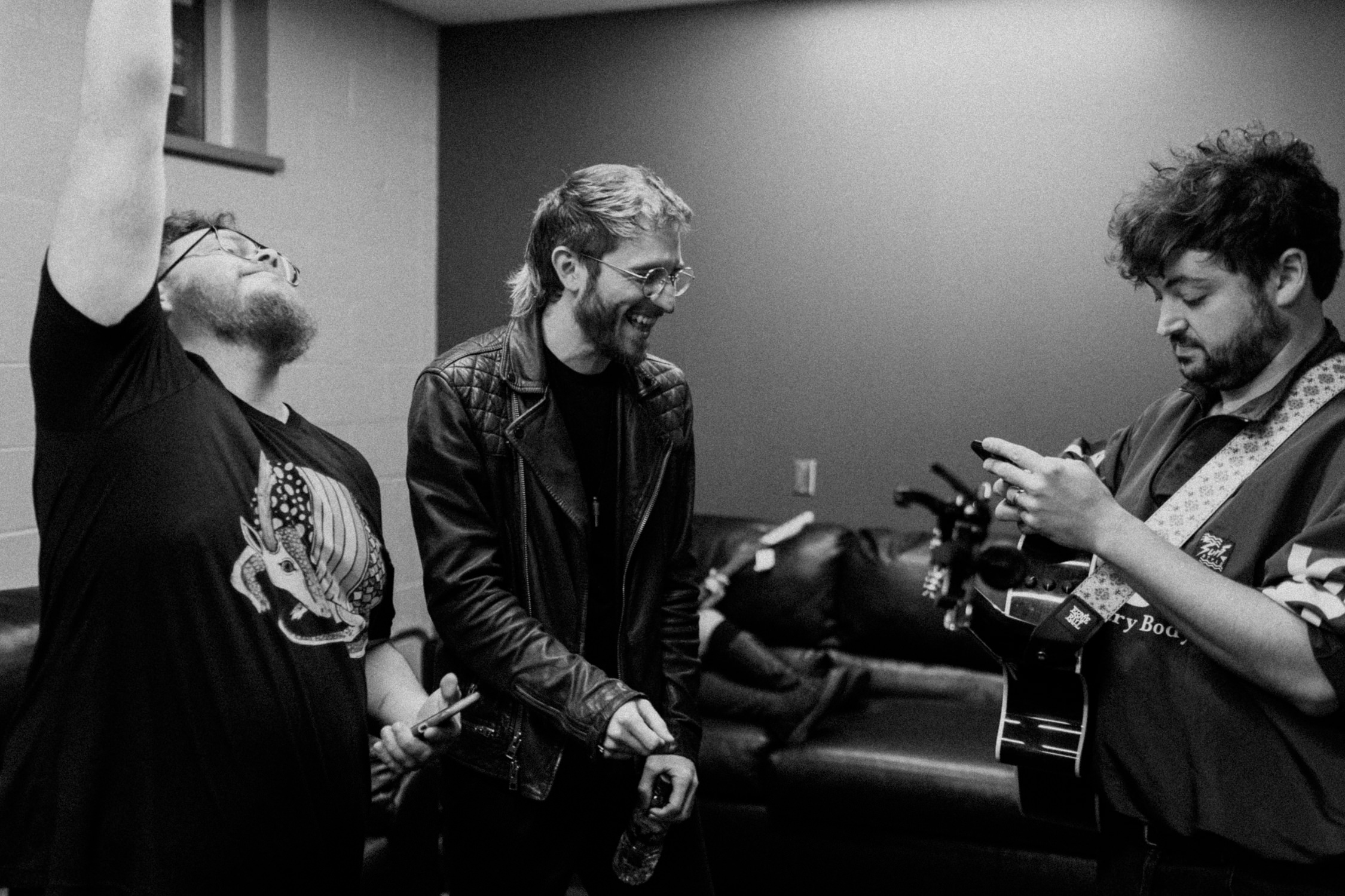 sean-nick-eli-tour-backstage-walk-the-moon-AnnaLeeMedia