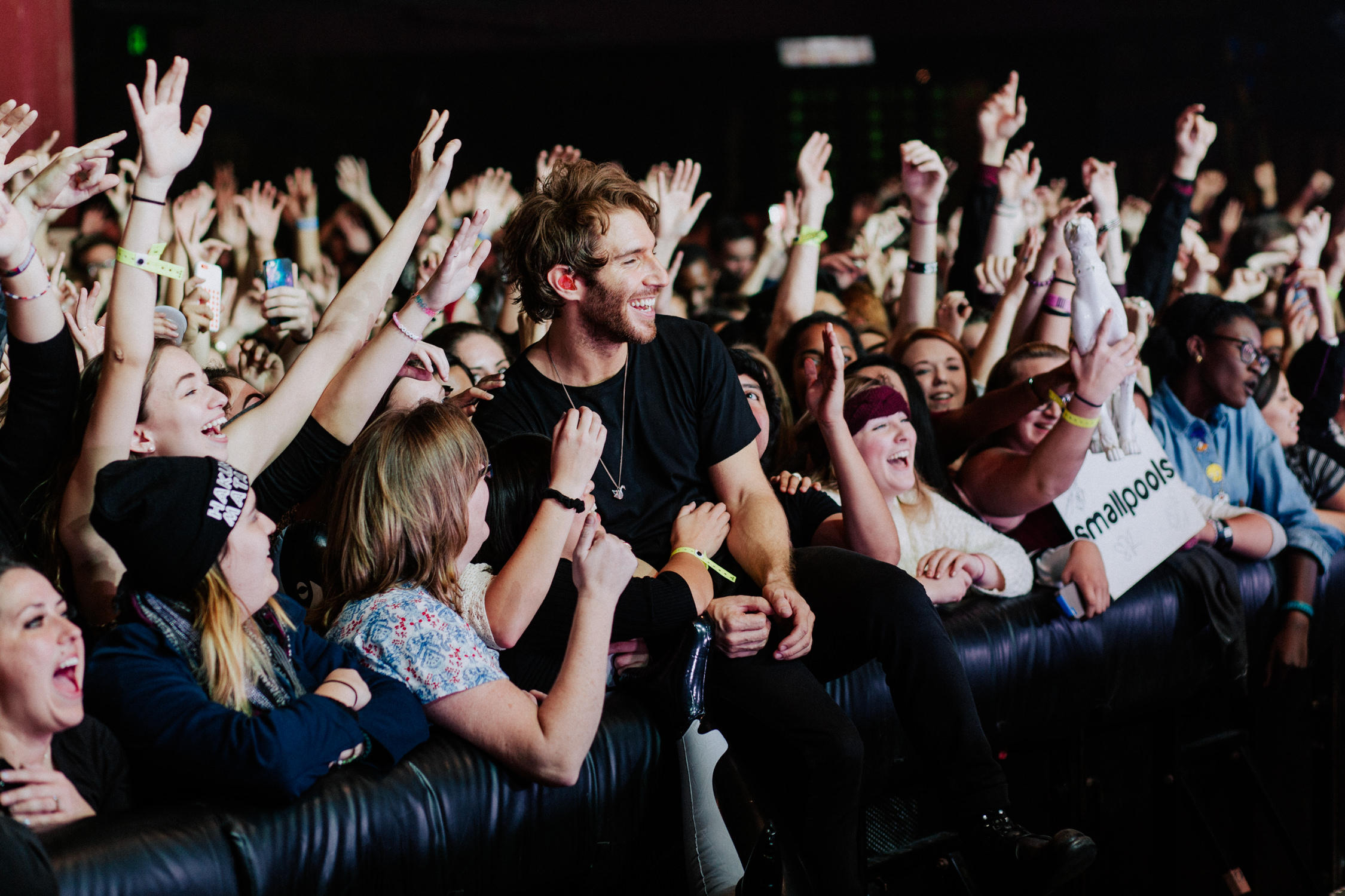 seans-smallpools-singer-concert-front-row-crowd-AnnaLeeMedia