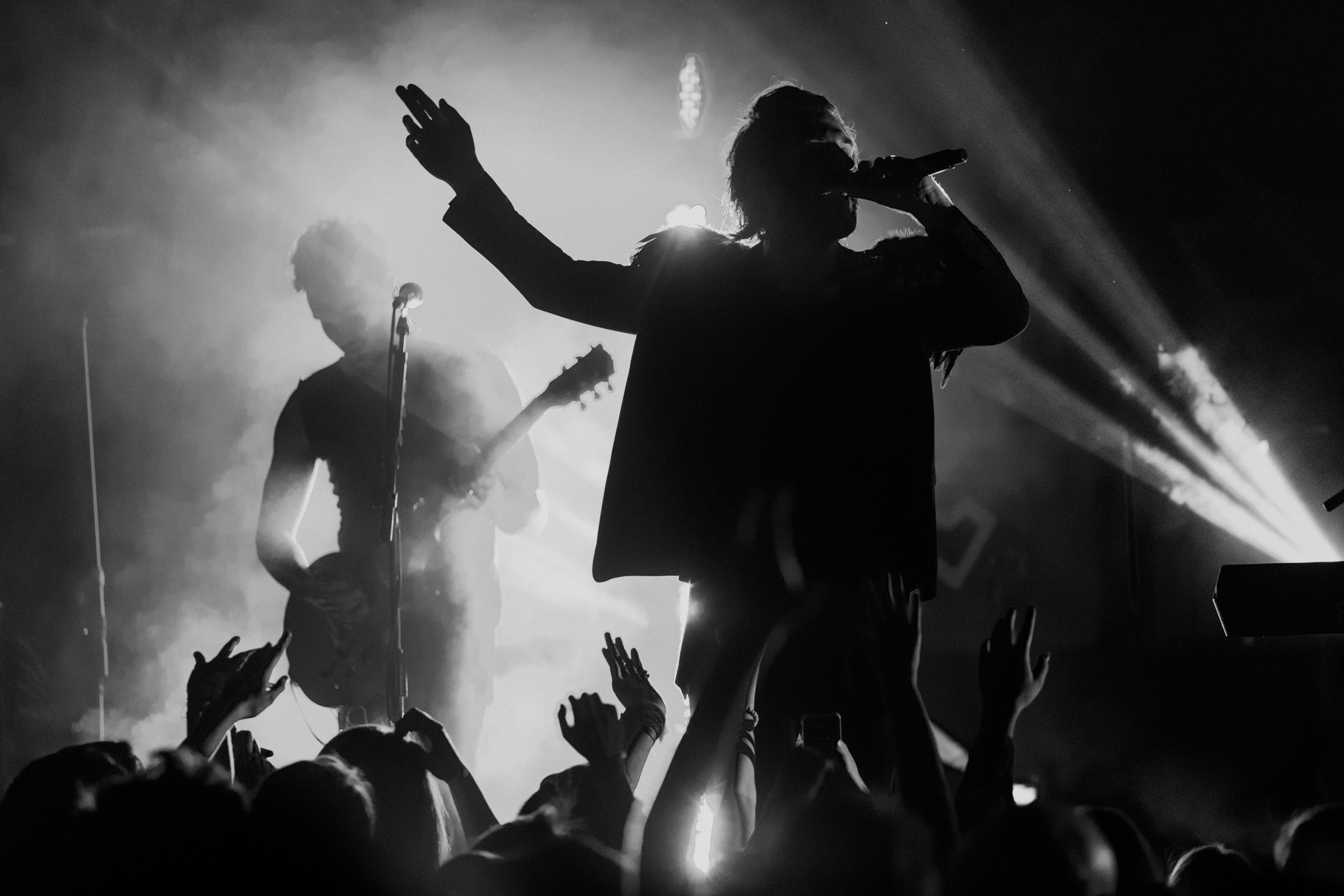 smallpools-silhouette-tour-live-AnnaLeeMedia