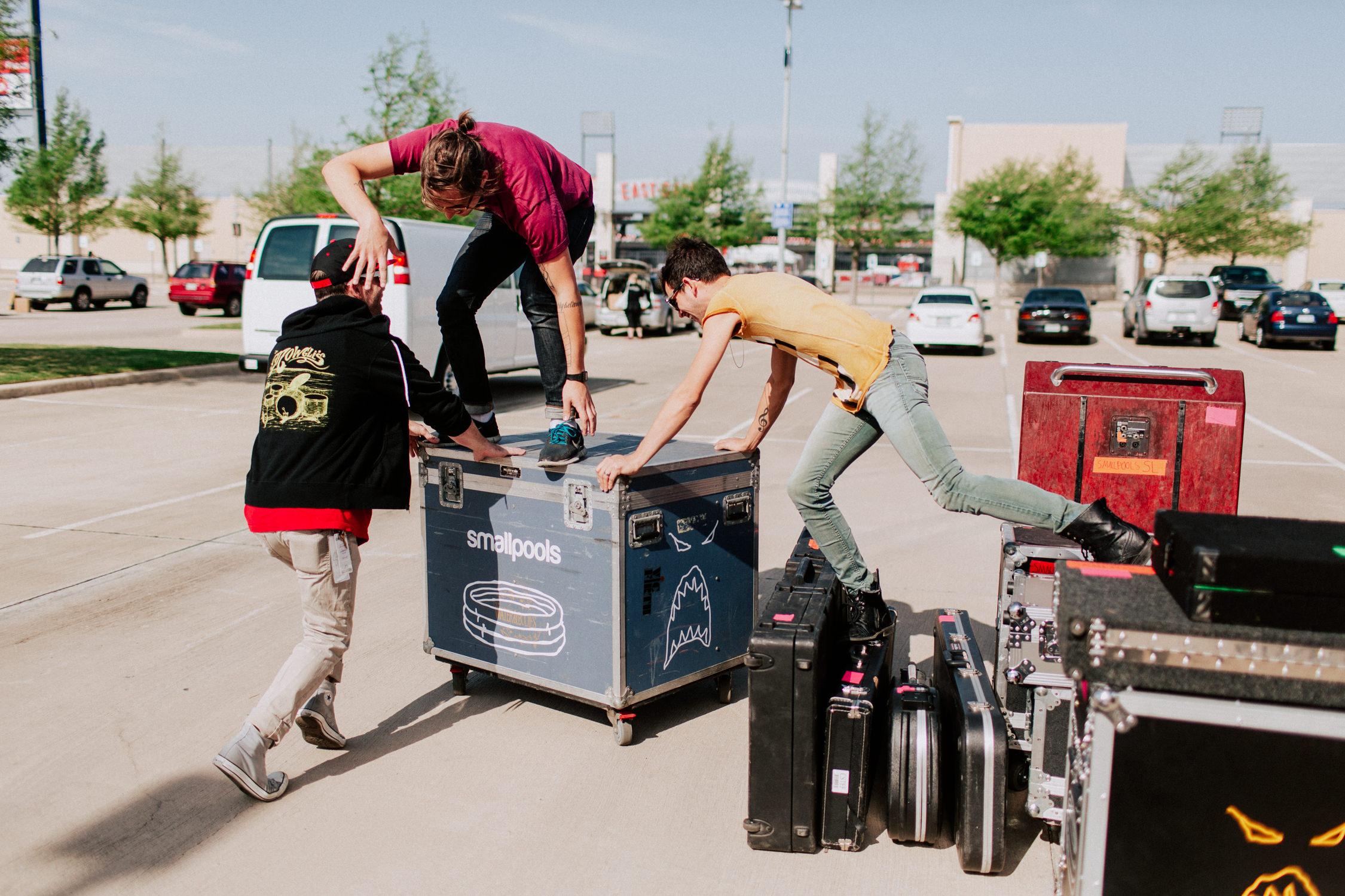 smallpools-tour-crew-road-cases-AnnaLeeMedia
