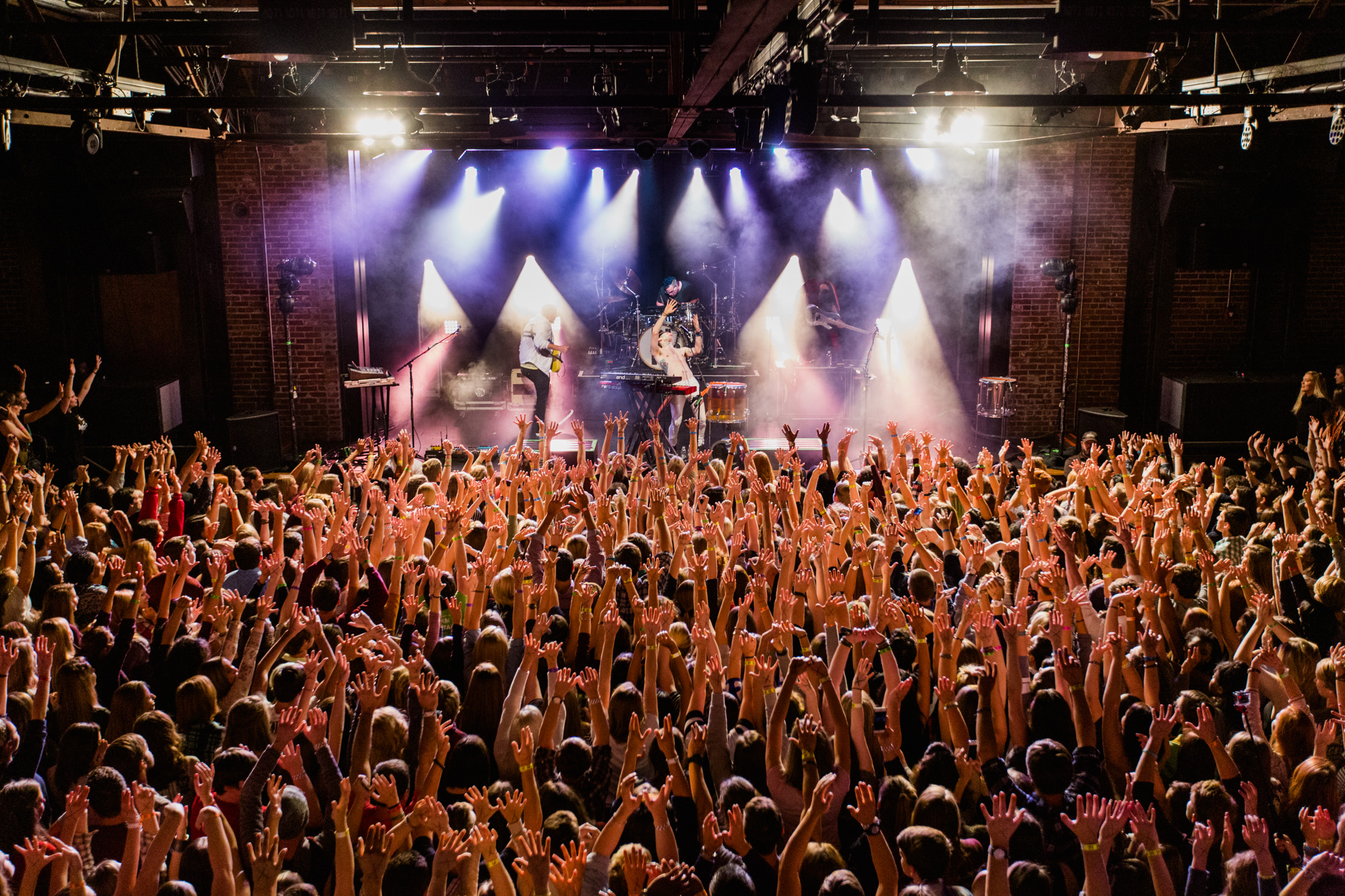 walk-the-moon-live-show-iron-city-venue-crowd-hands-up-AnnaLeeMedia
