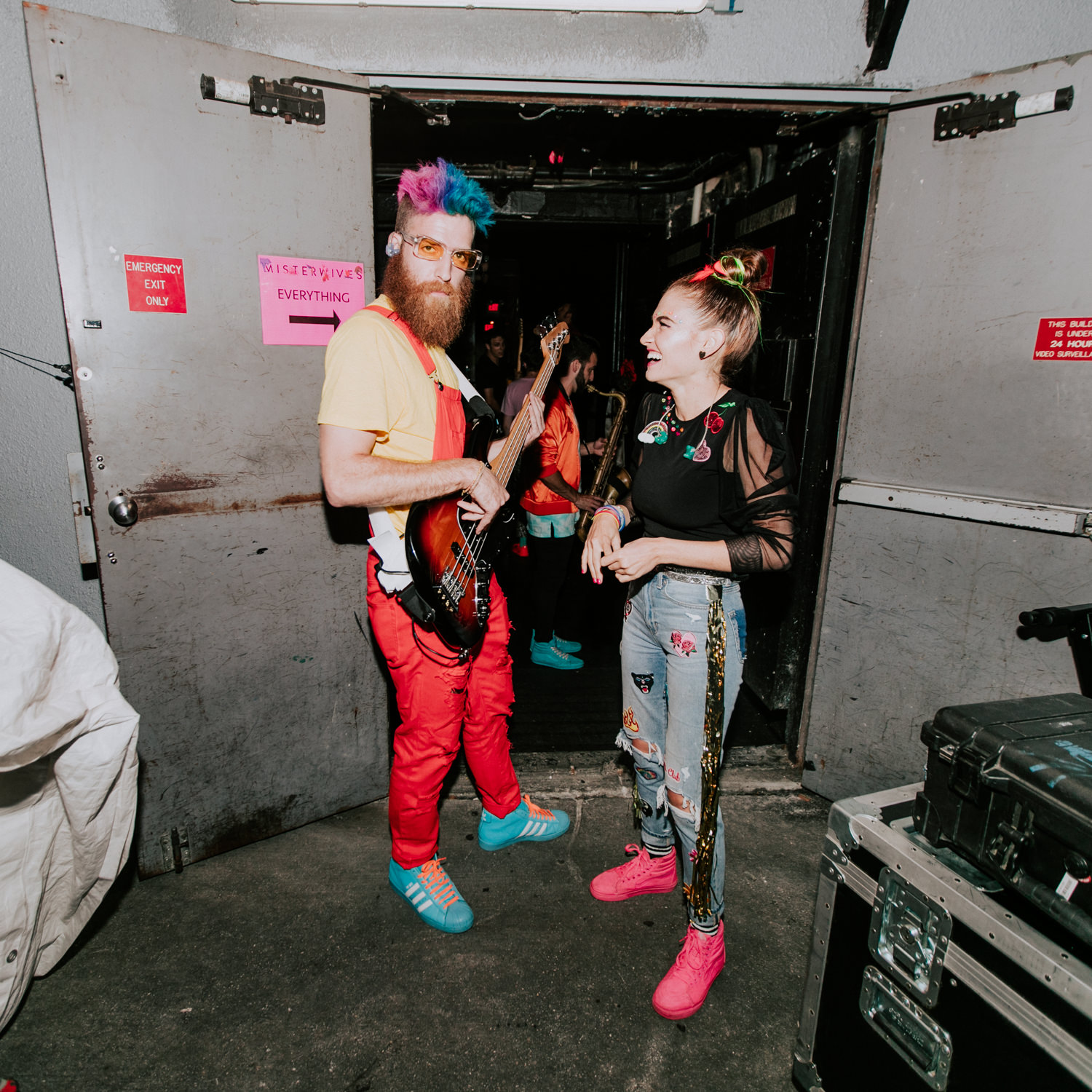 will-mandy-tour-backstage-misterwives-AnnaLeeMedia
