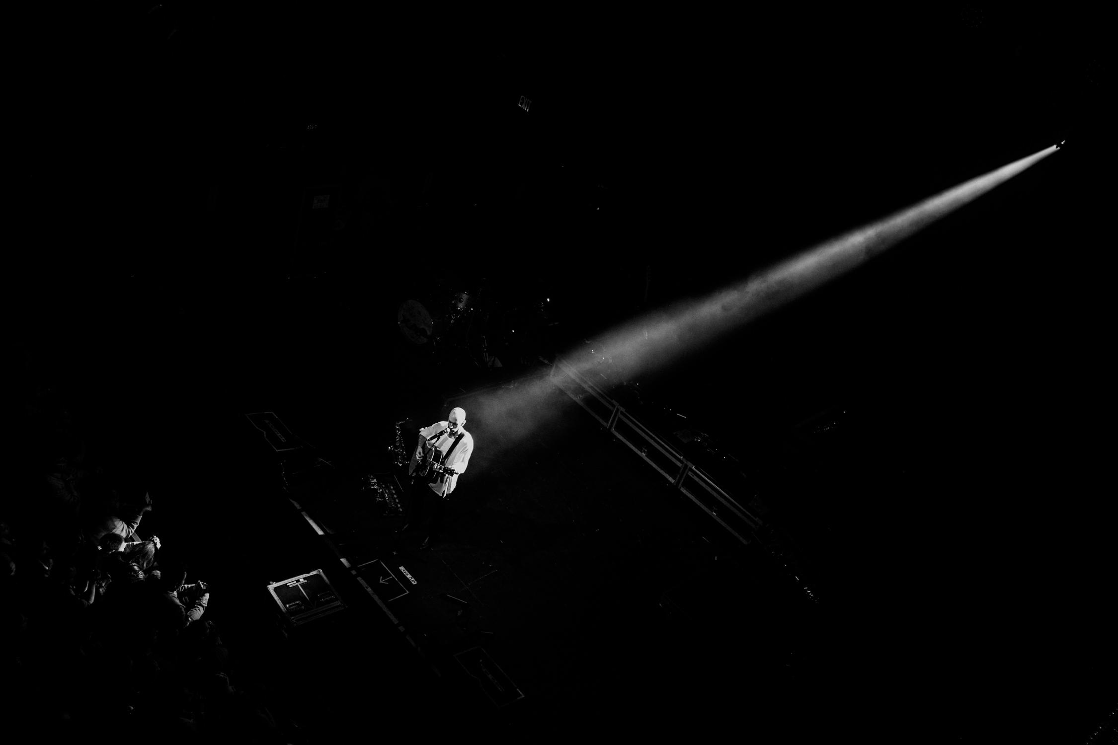 x-ambassadors-concert-dramatic-light-shaft-AnnaLeeMedia