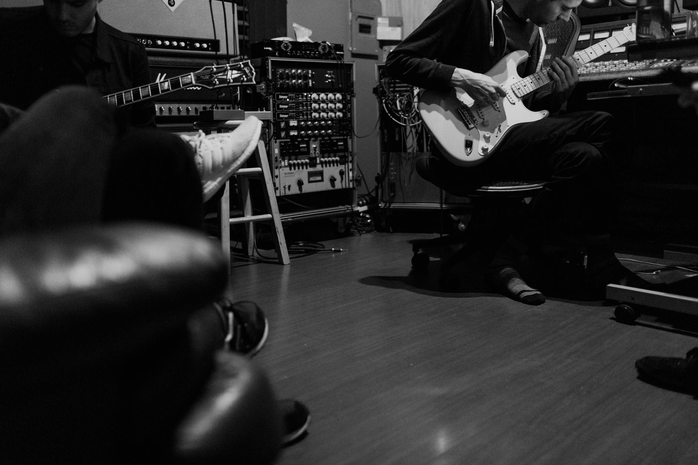 band-in-recording-studio-AnnaLeeMedia